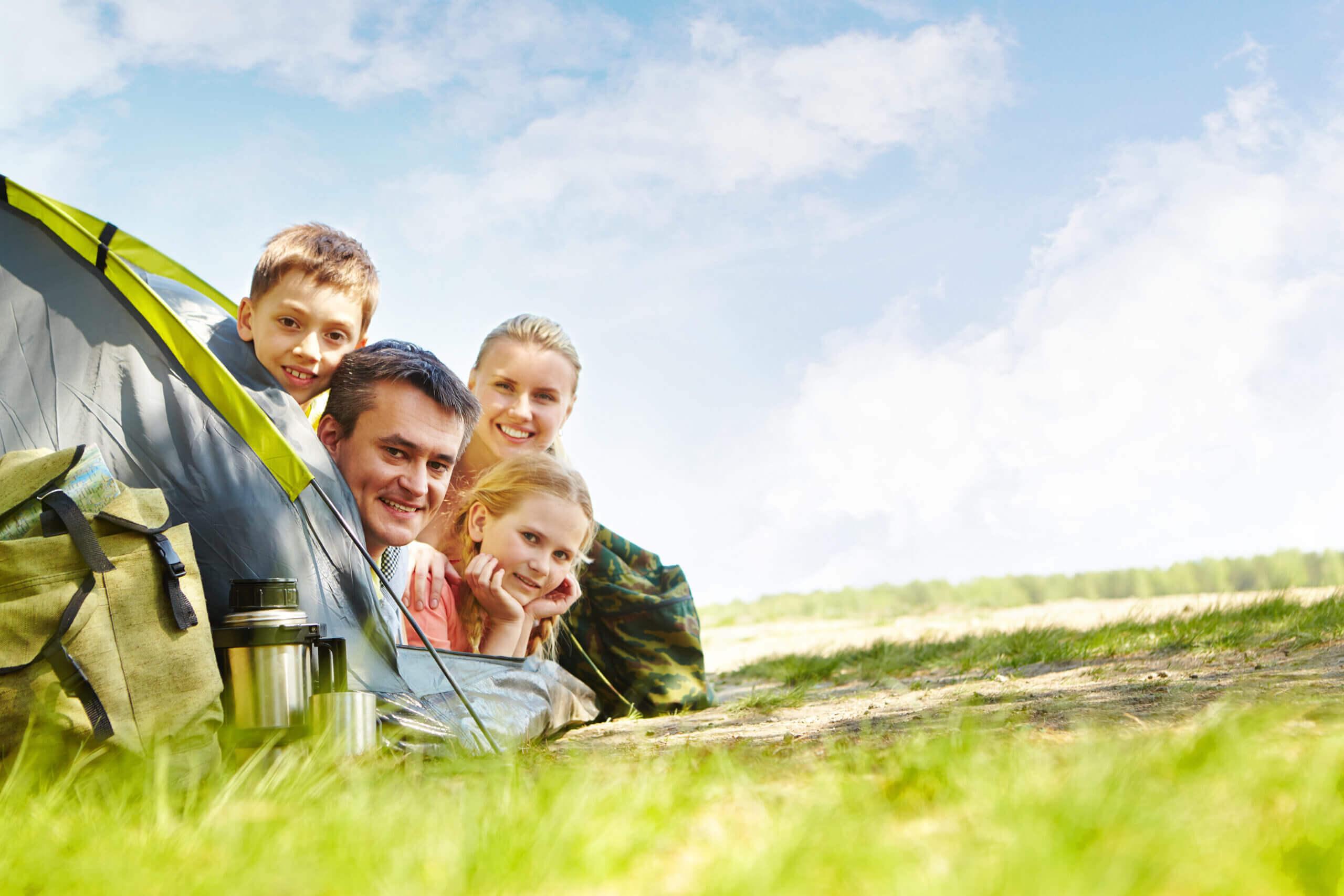 joyful family camping park scaled